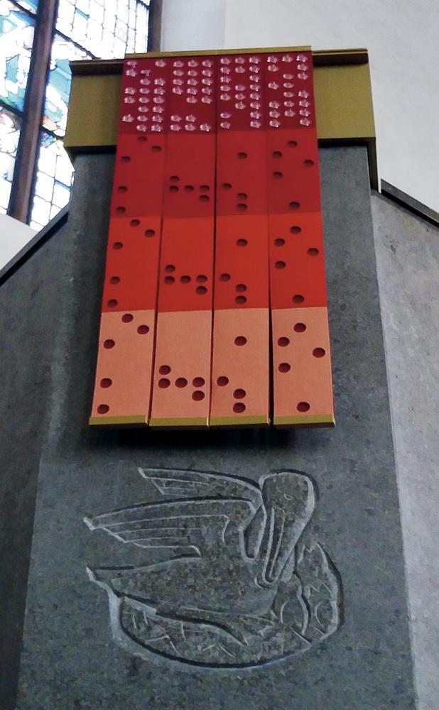 Rotes Antependium - Katharinenkirche FFM